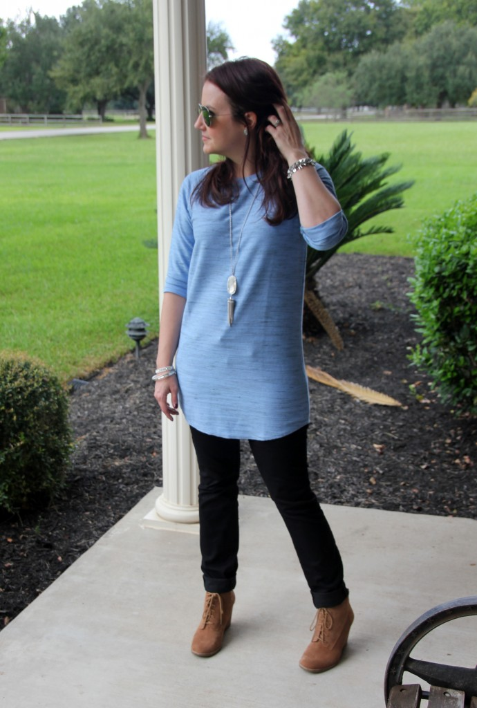 Fall Tunic, Skinny Jeans and Wedge Booties / Lady in Violet Blog