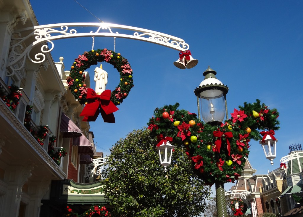 walt disney world magic kingdom christmas decorations - Light Pole Christmas Decorations