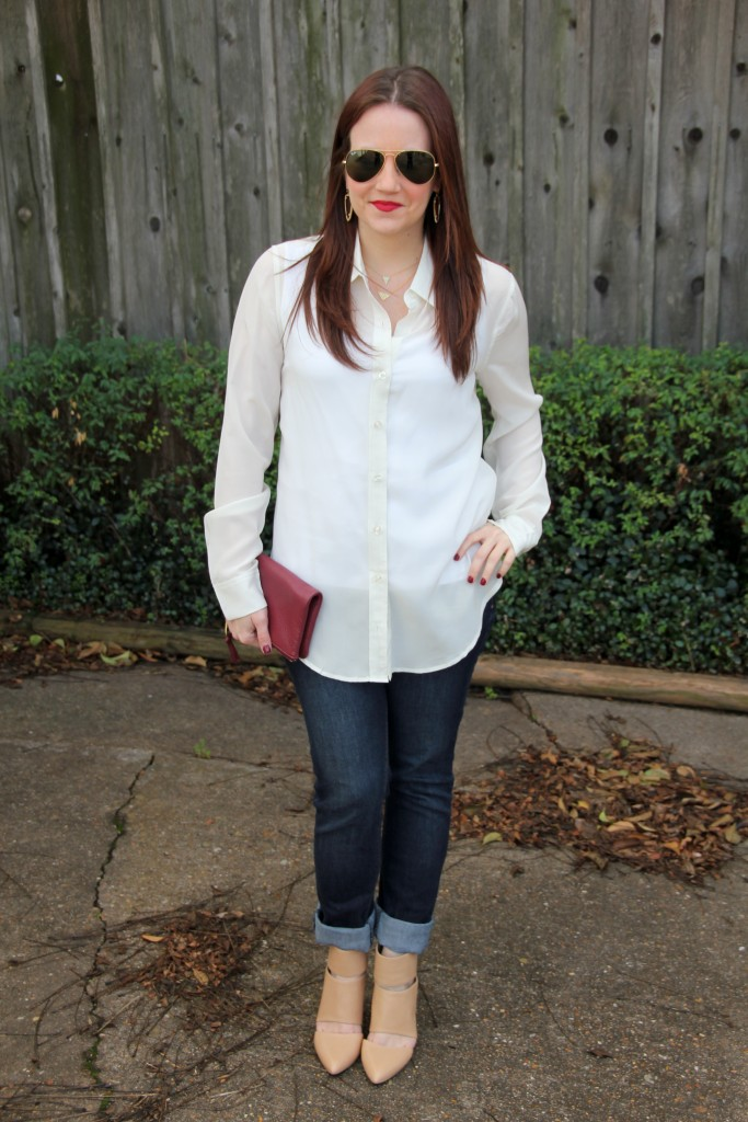 Brunch Outfit Idea - Silk blouse, with skinny jeans and nude pumps