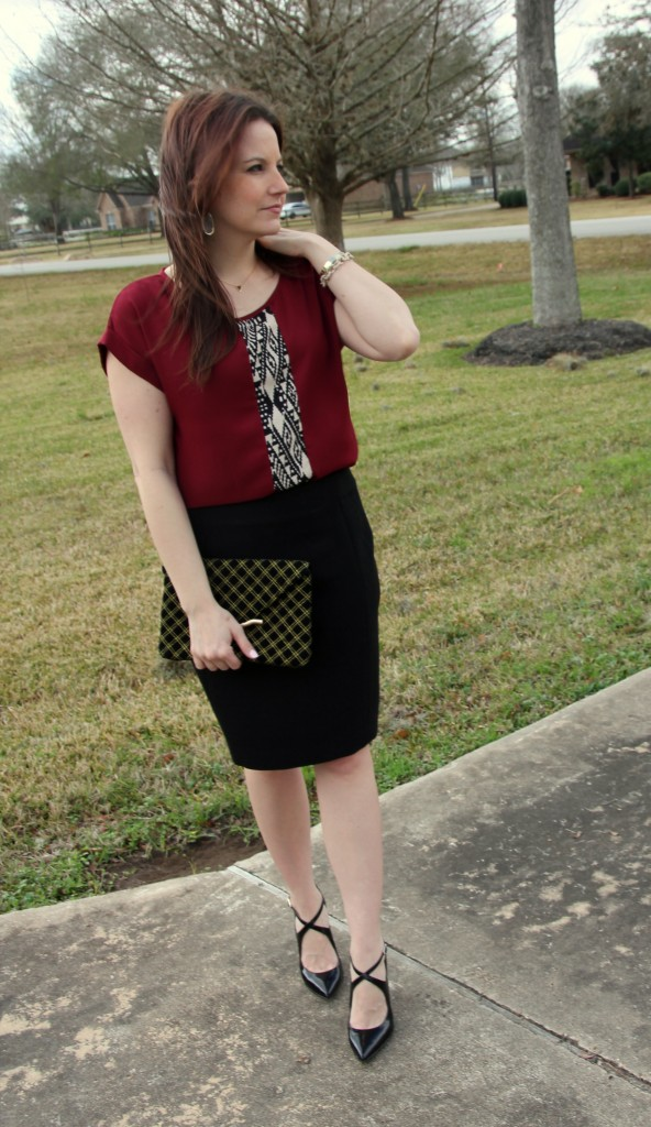 Pair a weekend tunic with a black pencil skirt for instant office chic look