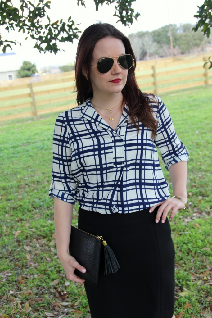 Office Look, print blouse and pencil skirt, spring style
