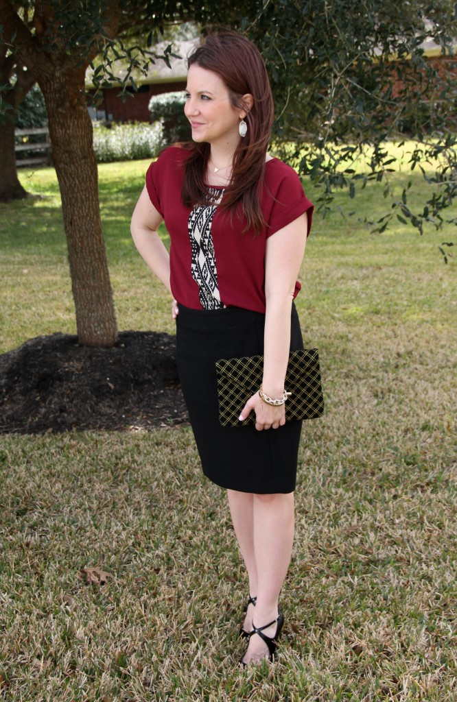 Pair a weekend tunic with a black pencil skirt for instant office chic outfit