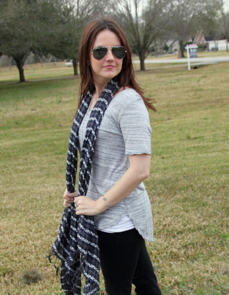 H&M Jersey Top with Jeans and booties, perfect traveling texas outfit idea