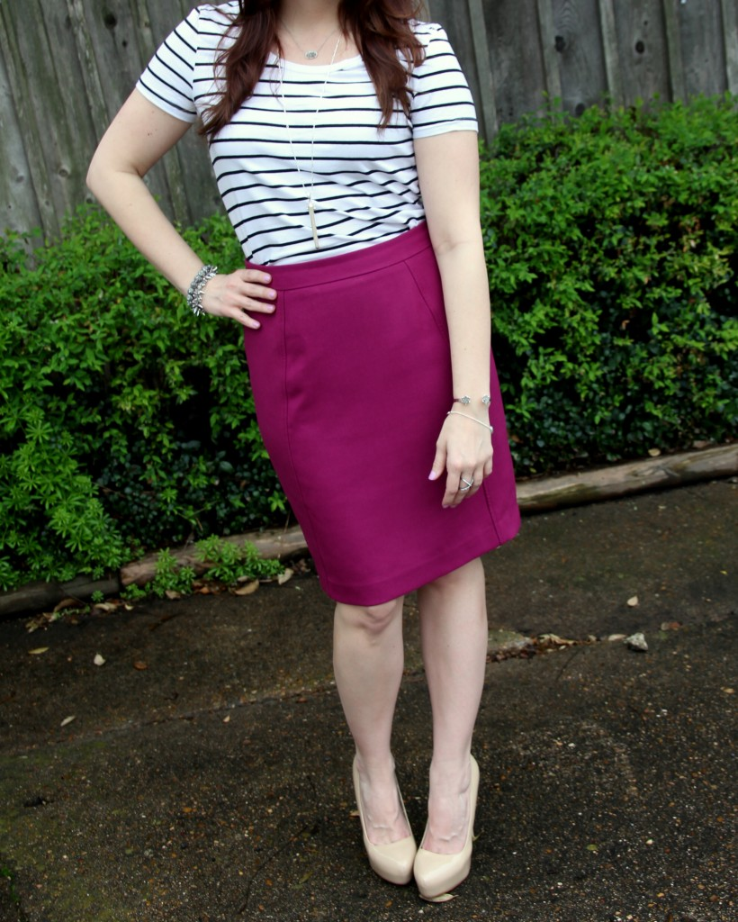 Office Outfit Idea - blend a weekend casual tee with a pencil skirt!  | Lady in Violet