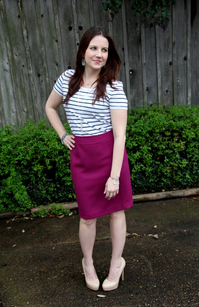 Work Outfit Idea - blend a weekend casual tee with a pencil skirt!  | Lady in Violet