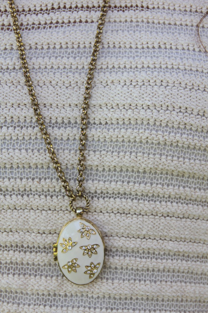 Vintage Floral Locket Necklace | Lady in Violet