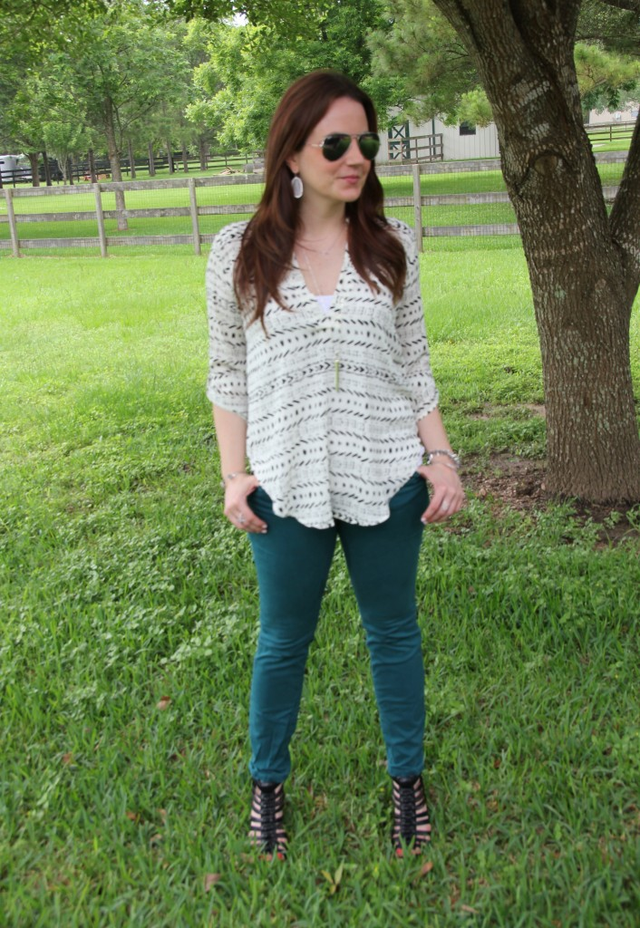 Casual outfit Idea - Colored Jeans and White print top | Lady in Violet