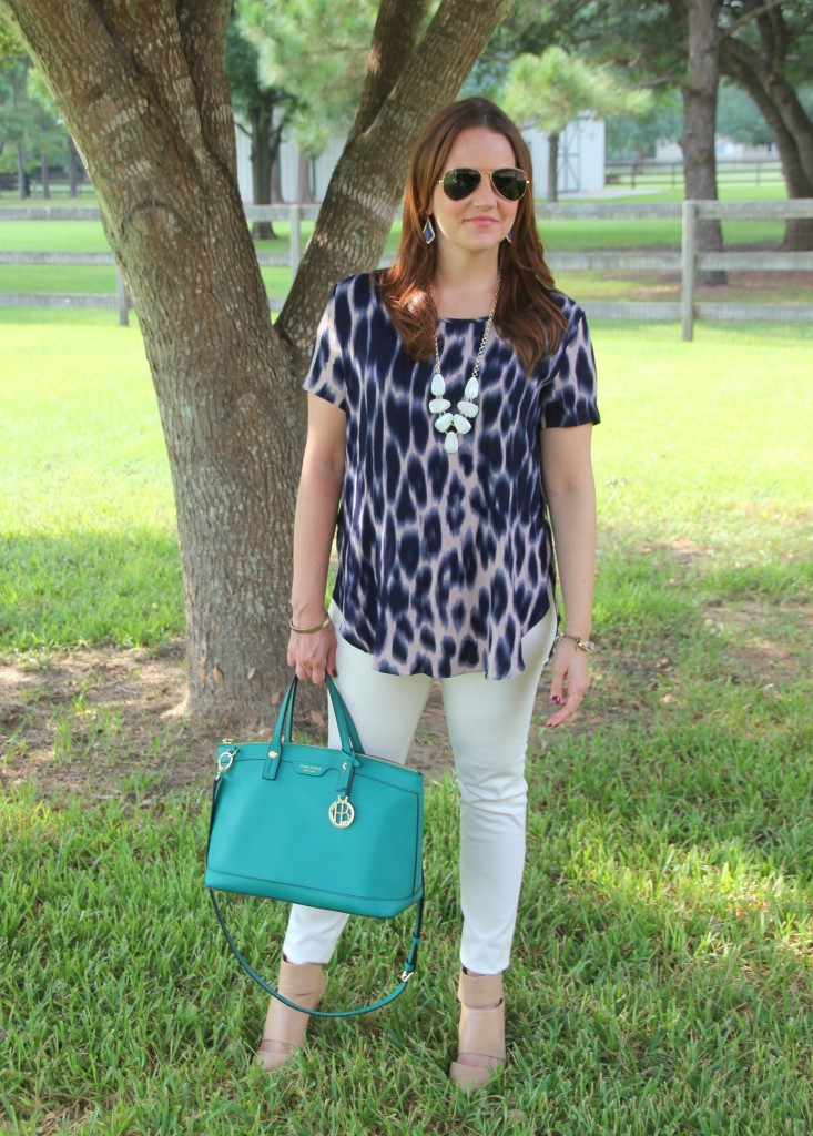 Styling a transtional tee for four seasons | Lady in Violet