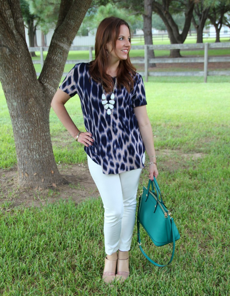 Short-sleeve top and white denim for Spring Style | Lady in Violet