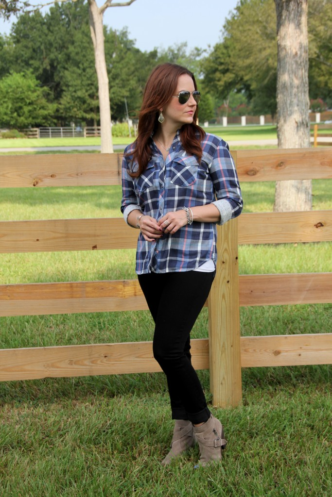 Fall Outfit - Plaid Shirt, Black Skinny Jeans, Taupe Booties | Lady in Violet