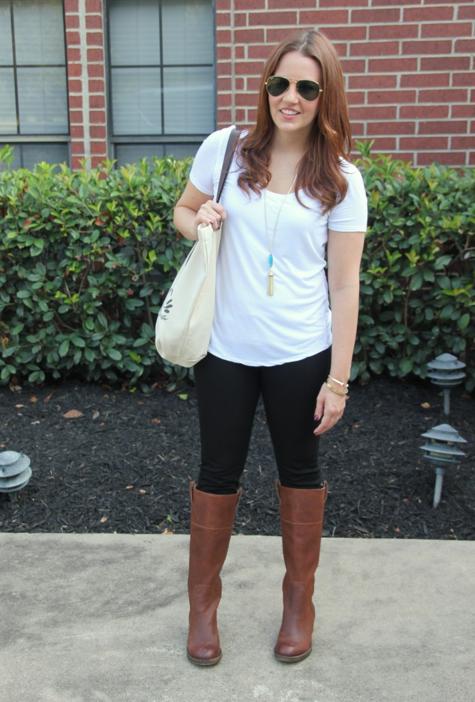 Fall Casual Outfit - White Tee, Skinny Jeans and Boots | Lady in Violet