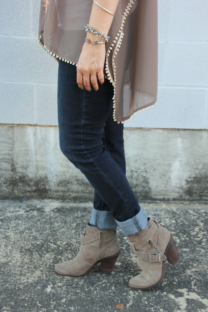 Rolled skinny Jeans and booties | Lady in Violet