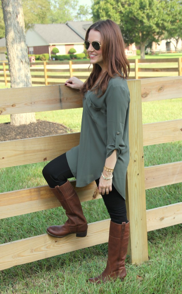 Fall Fashion - Boots, Skinny Jeans, Tunic | Lady in Violet