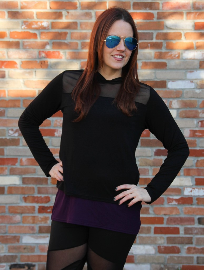Black hoodie for working out and rayban aviators | Lady in Violet
