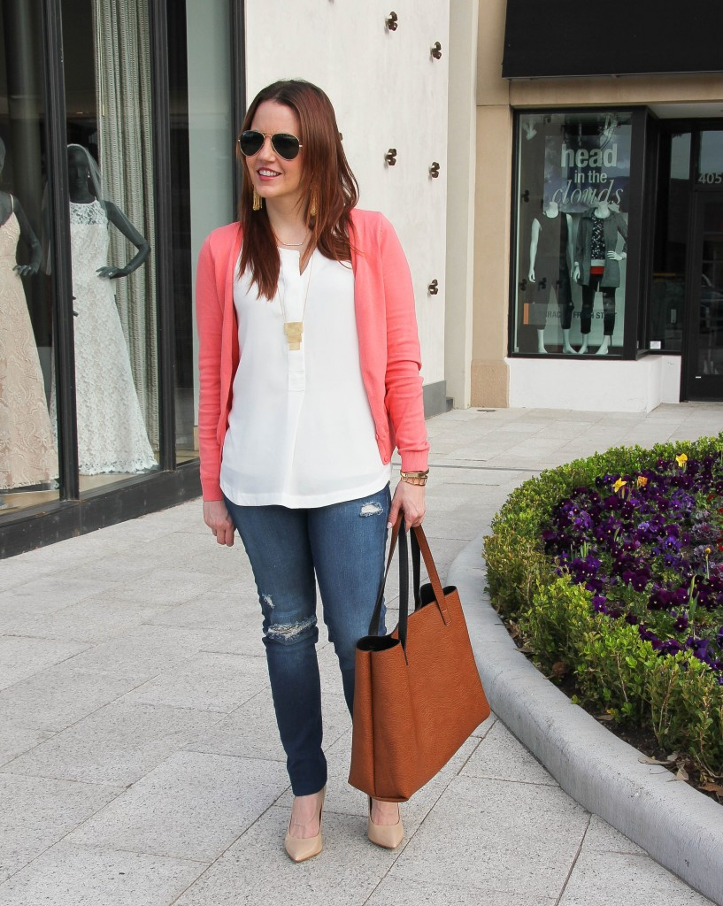 weekend outfit -heels with distressed denim