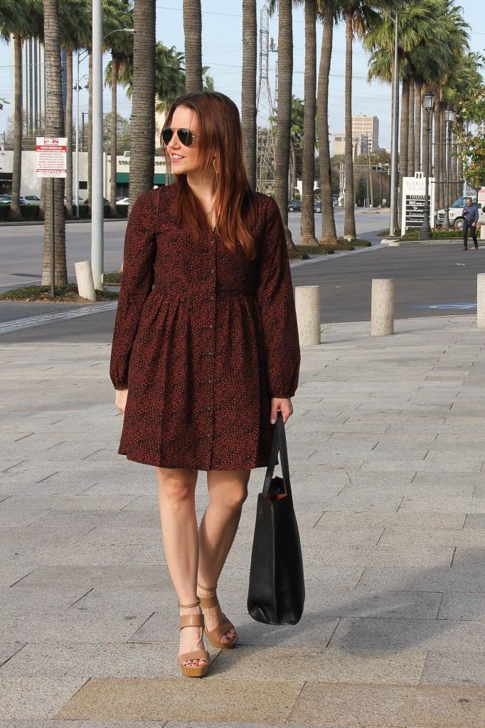 weekend outfit with dress and wedges | Lady in Violet