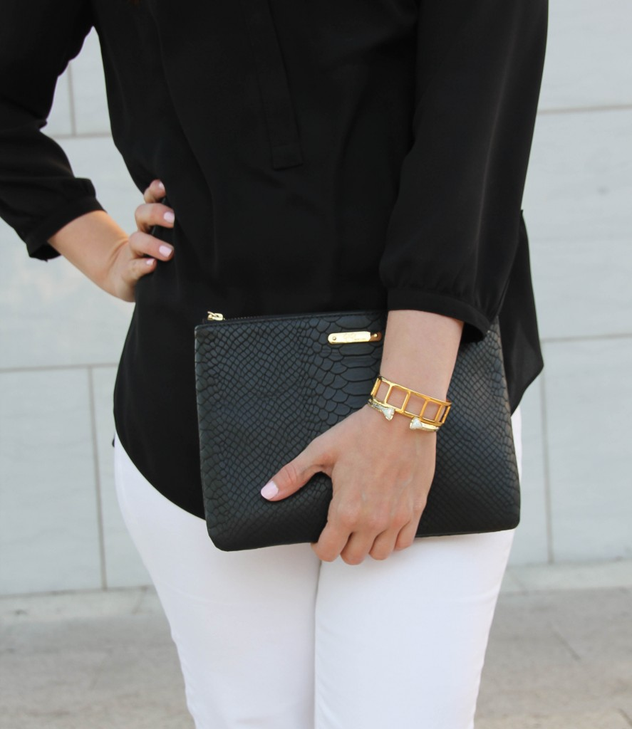 giginy clutch and baublebar bracelet and kendra scott