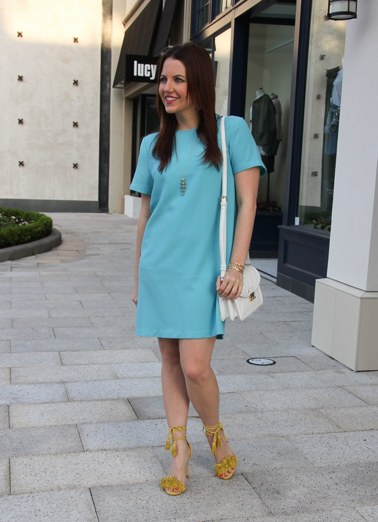 shower guest outfit - blue shift dress and yellow sandals