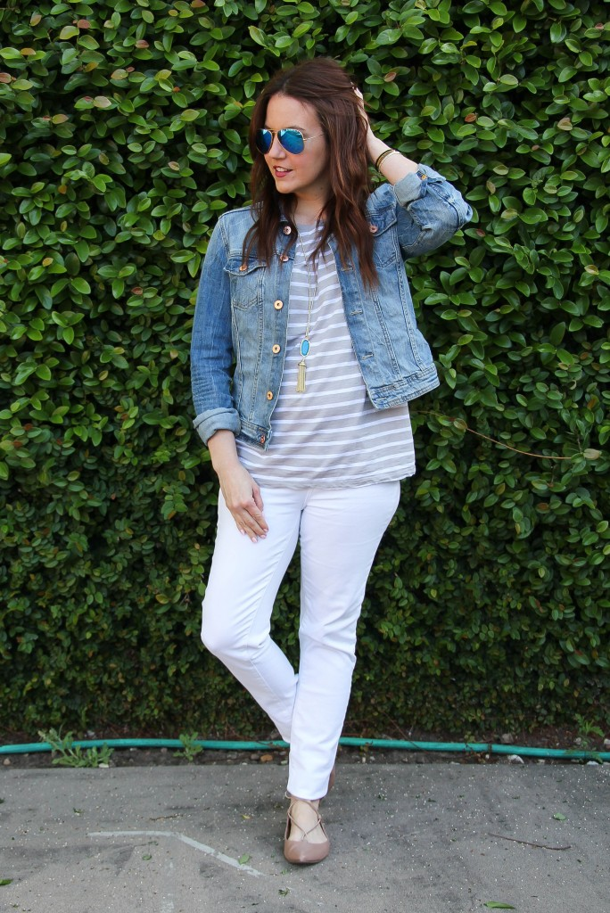 weekend casual outfit - striped tee and white jeans