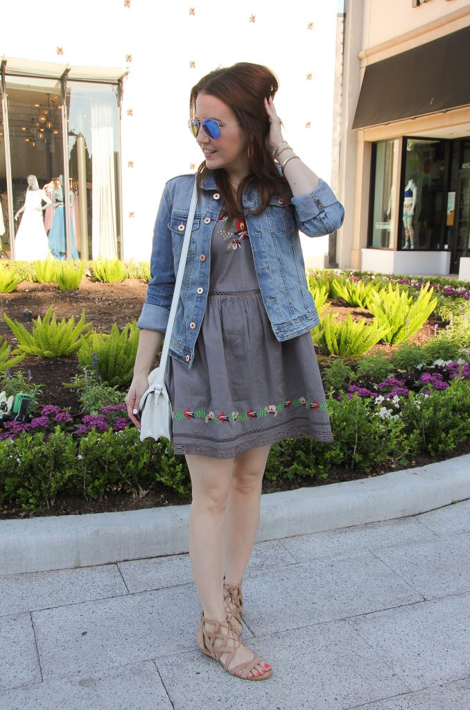 casual summer outfit - embroidered dress