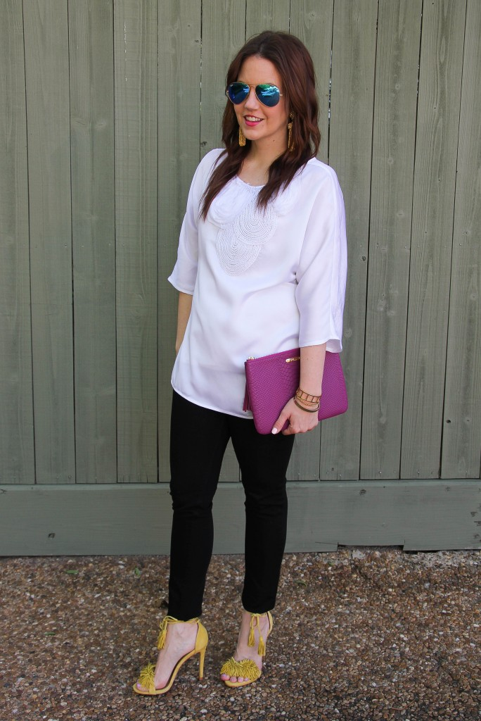 spring outfit inspiration - neutral outfit with pops of color