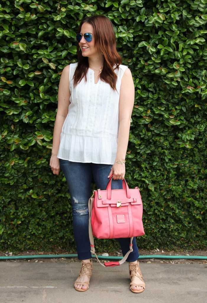 weekend outfit for spring with distressed denim