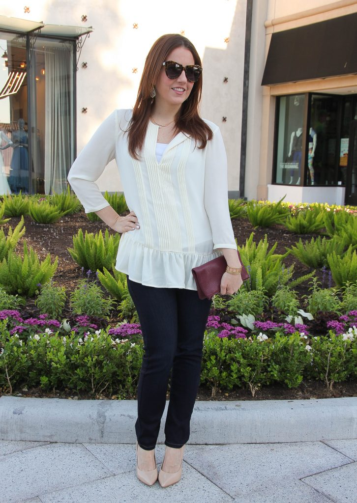 Date night outfit idea - jeans and cute top