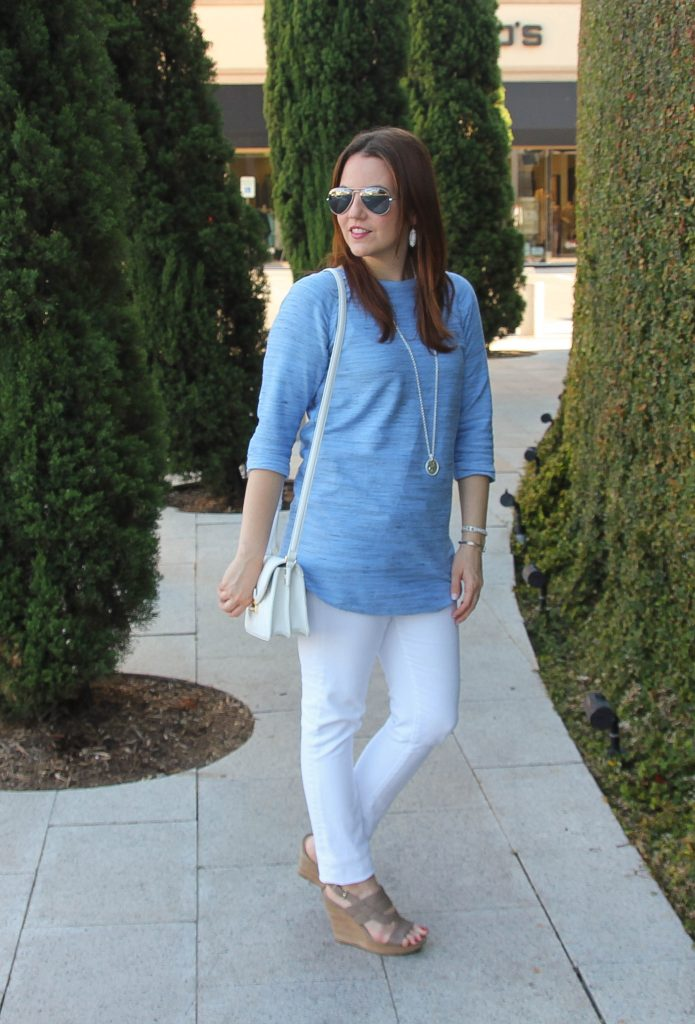dressed up casual outfit with tunic, jeans, wedges