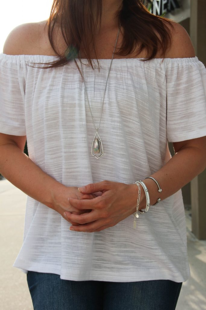 LOVE this off the shoulder top paired with Kendra scott silver necklace and gorjana henri bendel bracelets