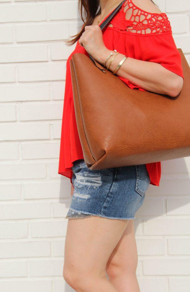 love this brown tote bag!