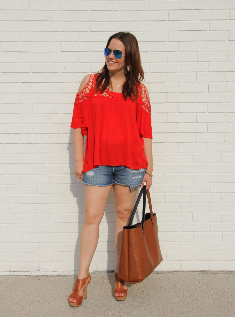 Casual 4th of July Outfit - Distressed Shorts - Lady in VioletLady in Violet