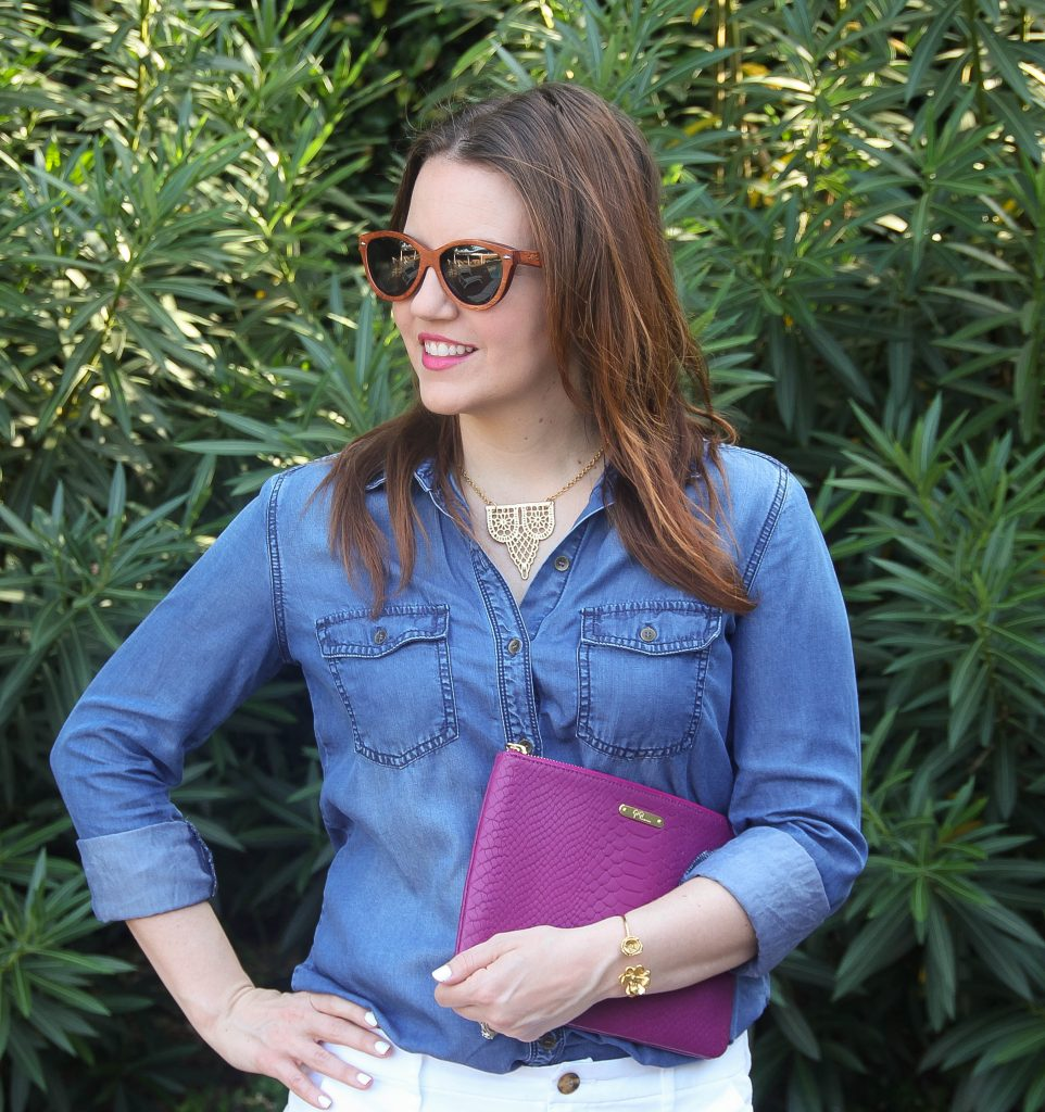 How to wear chambray shirt in summer