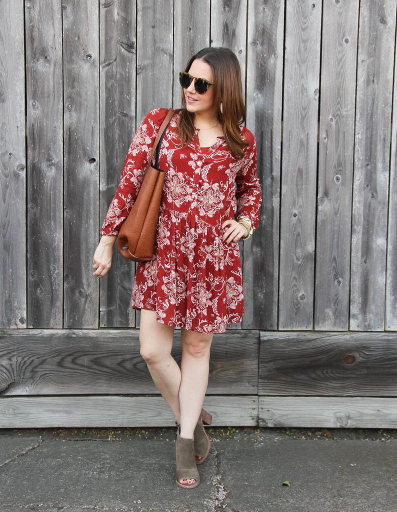 casual dress for fall with taupe booties