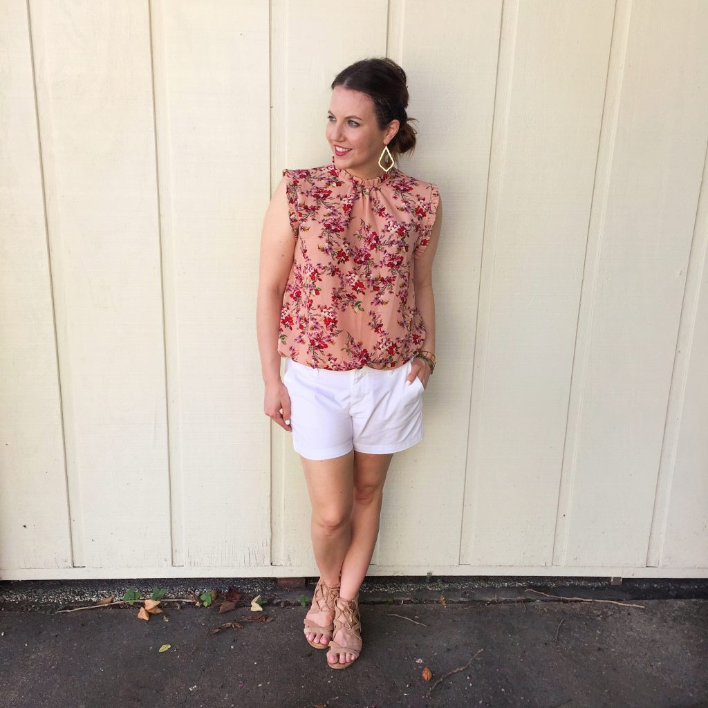 summer outfit white shorts floral blouse
