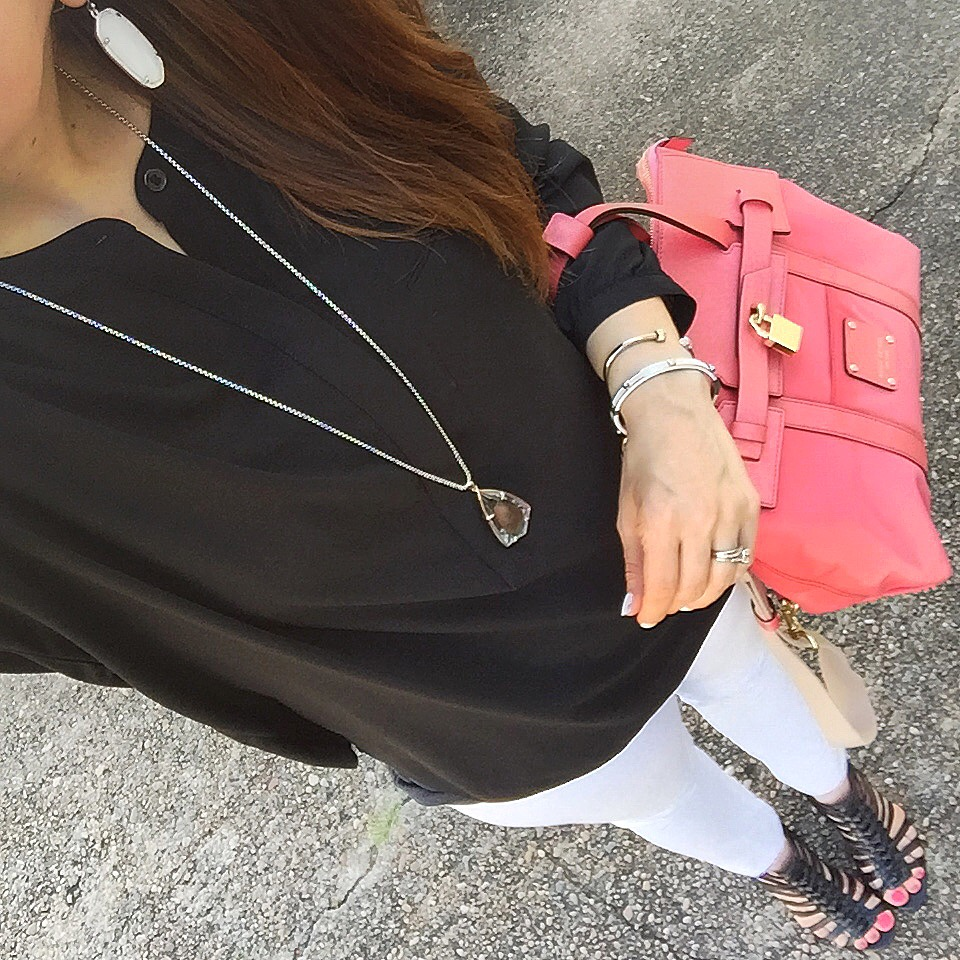 casual outfit white jeans black blouse