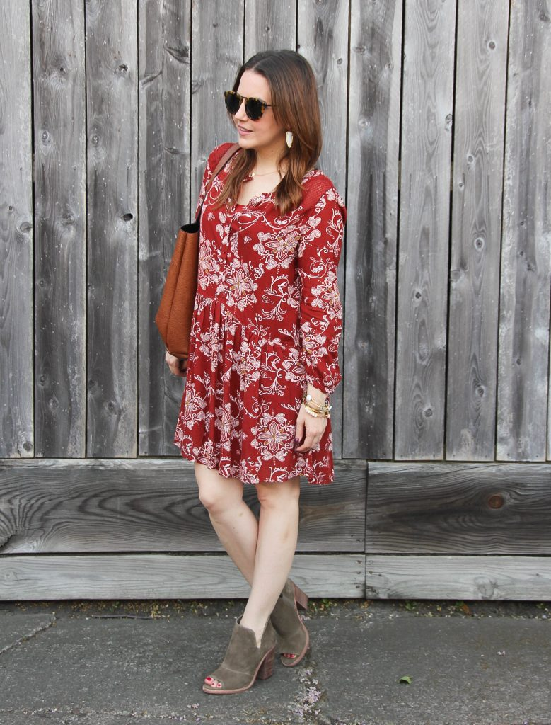 fall street style - shift dress and taupe booties