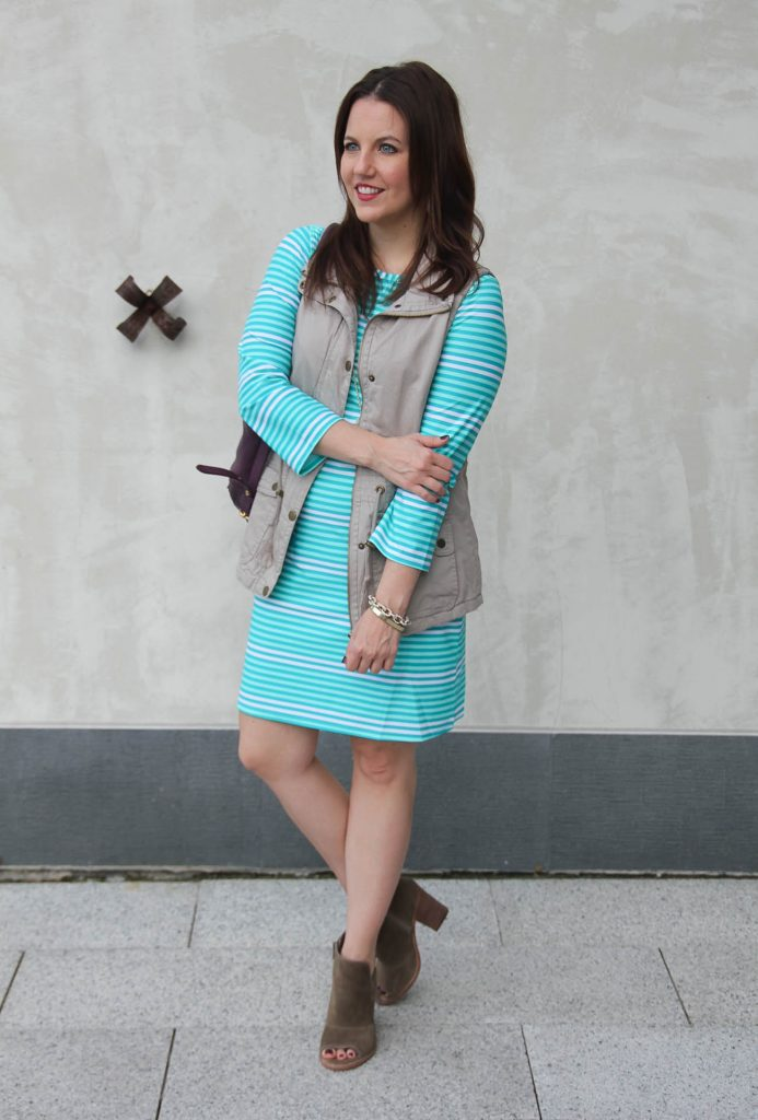 Houston Fashion Blogger shares fall outfit idea in a shift dress and booties.