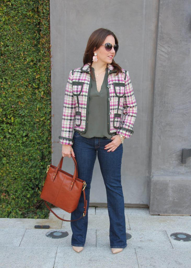 Houston Fashion Blogger wears a casual friday outfit idea for fall.