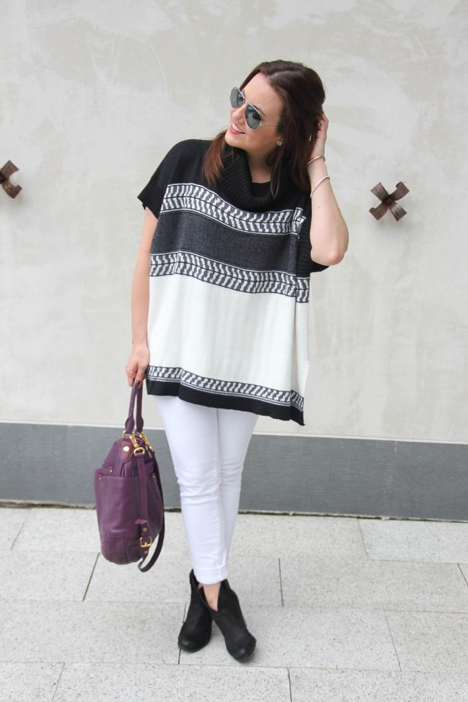 Personal Style Blogger shares how to wear white jeans in fall.
