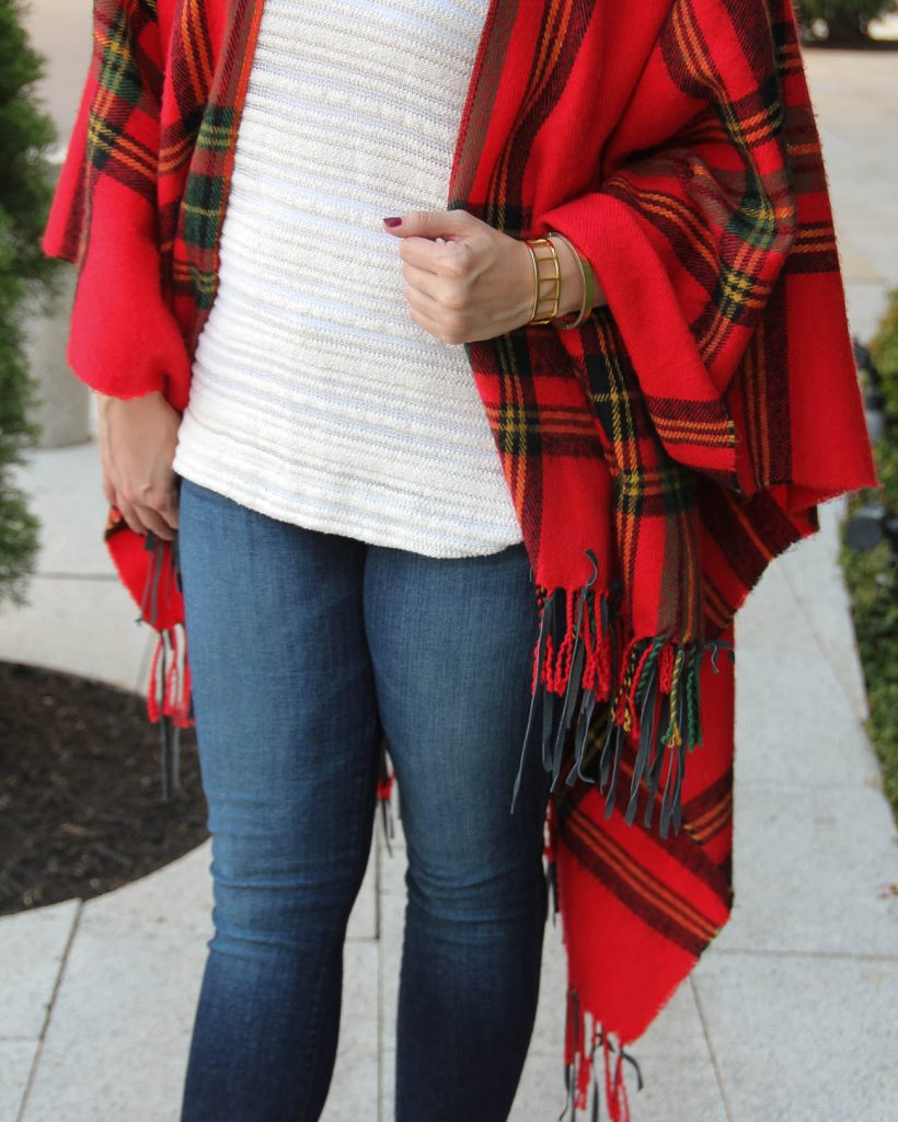 how to wear a blanket poncho