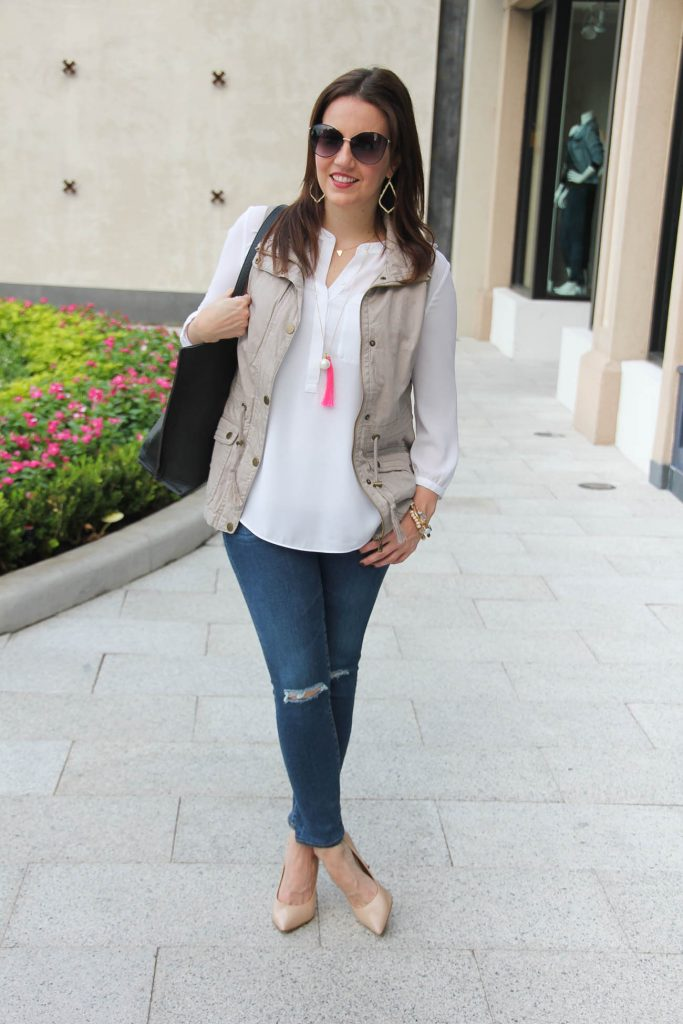 Houston Fashion blogger shares casual weekend outfit inspiration for fall.