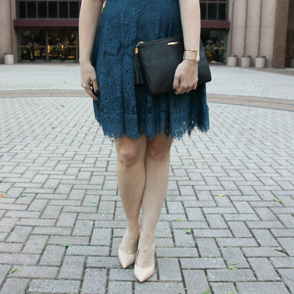 Texas fashion blogger wears the bb dakota lace dress with the gigi new york black clutch and baublebar gold cuff bracelet.