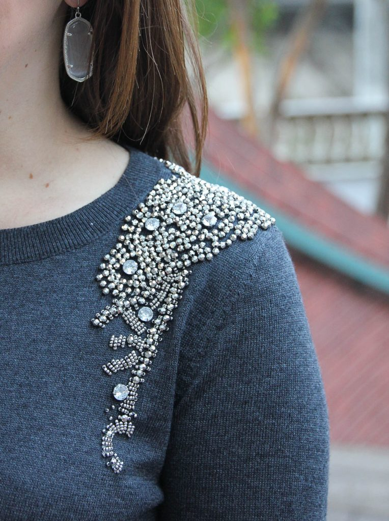 Houston Style Blogger wears a Nordstrom Halogen embellished sweater with kendra scott elle earrings in slate.