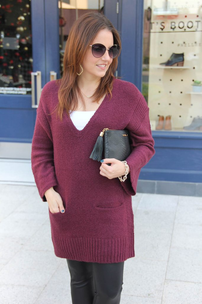 540c5695fbf ... wear with leather leggings. Houston Fashion Blogger styles an outfit  idea with oversized sweater.