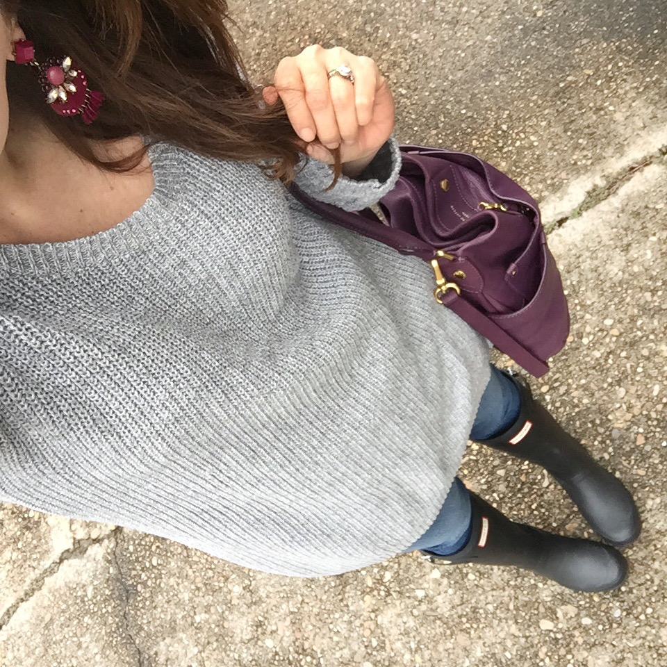 Houston fashion blogger Lady in Violet wears a winter outfit with rain boots and a warm gray sweater.