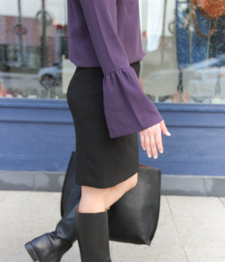 Karen Rock of Lady in Violet wears a Nordstrom bell sleeve tunic with a loft pencil skirt for a cute work outfit idea.