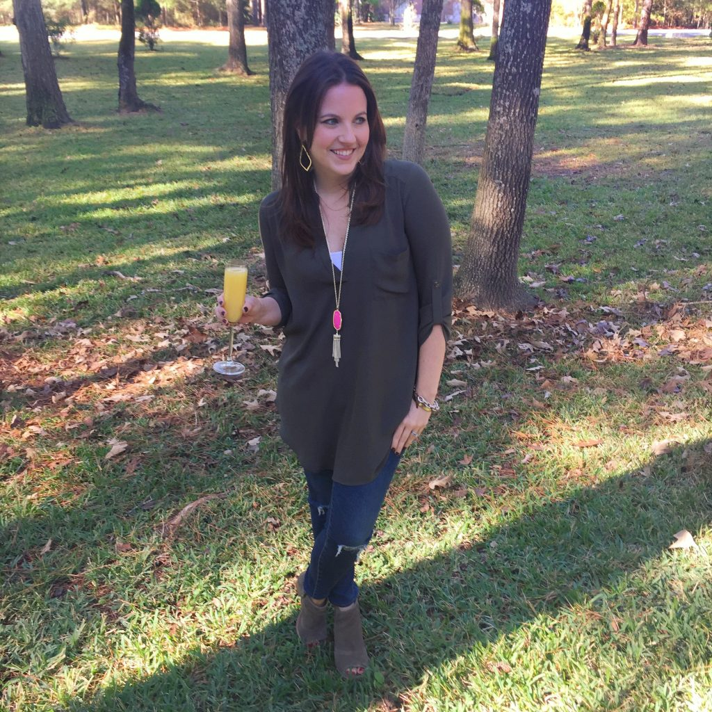 Houston Fashion Blogger Lady in Violet wears a fall brunch outfit idea with an olive tunic, jeans, and peep toe booties.