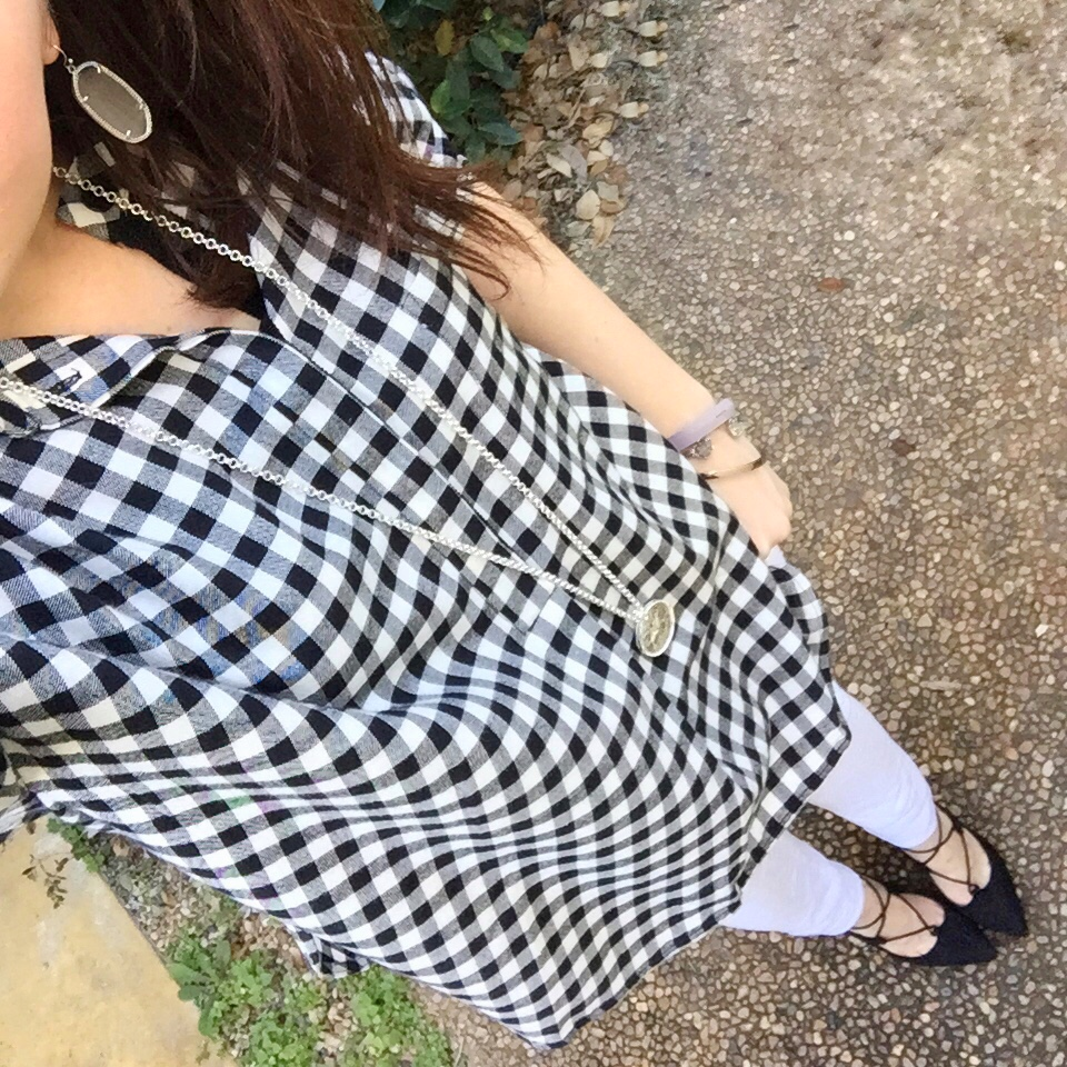 Houston Fashion Blogger shares a casual weekend outfit including white jeans and gingham blouse.