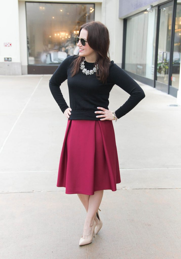 Houston Fashion Blogger Lady in Violet styles a Valentine's day outfit for work and date night.