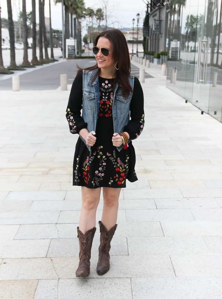 Houston Fashion Blogger shares what to wear to the Houston Rodeo including an embroidered dress and cowboy boots.
